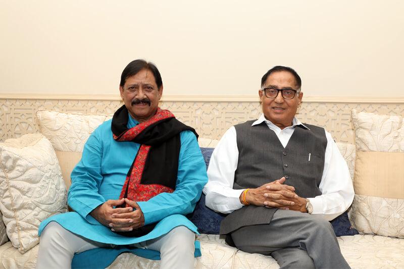 Shri Chetan Pratap Singh Chauhan with Suresh Jain at TMU