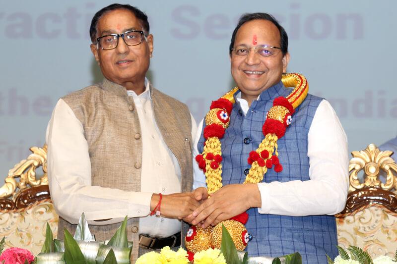 Shri Arun Singh with Suresh Jain at TMU