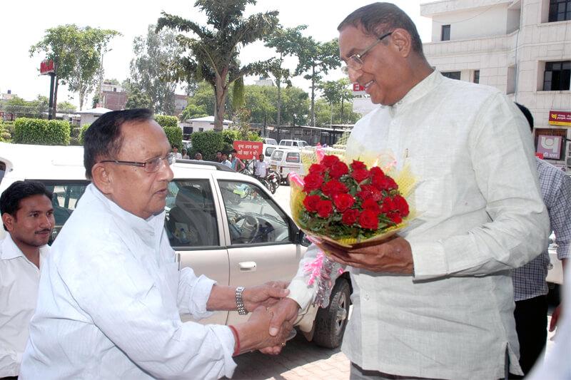 Dr. Naipal Singh with Suresh Jain at TMU