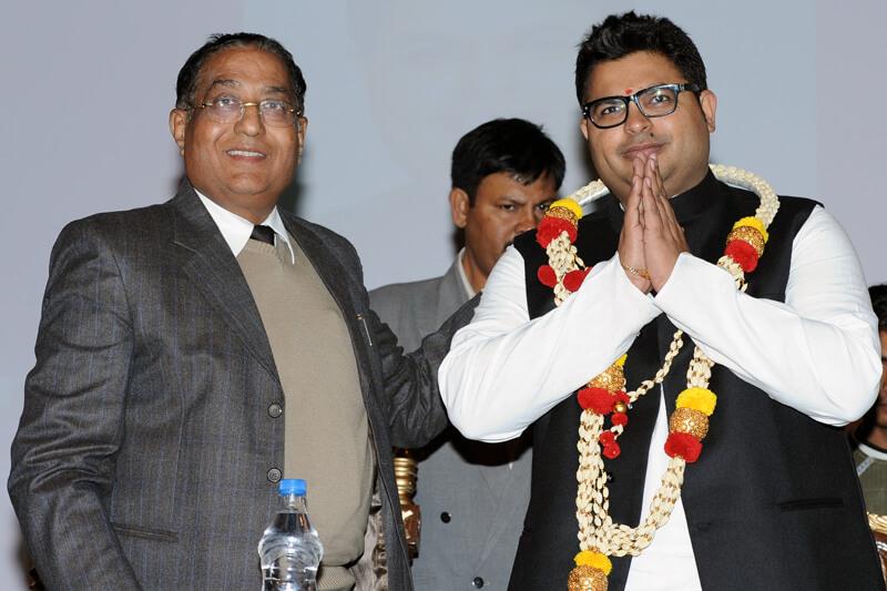 Shri Abhishek Mishra with Suresh Jain at TMU