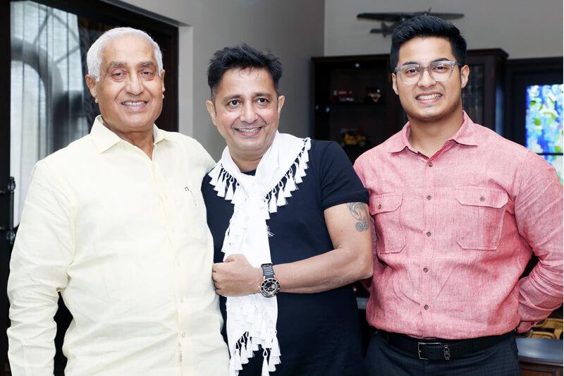 Sukhwinder Singh with Suresh Jain at TMU